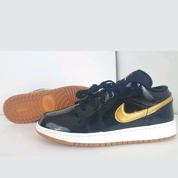 a10969389a268 ... Retro 1 Low GG Patent Leather. NWT. Jordan. M 5c4fd165951996683a9f8a1a.  M 5c4fd19df63eea950cc03ca2. M 5c4fd1a012cd4ab9e5eaad1f